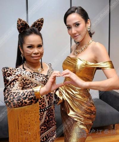 """泰国""""凤姐""""tukkie要和美女人气aump比美?套水杯编织视频图片"""
