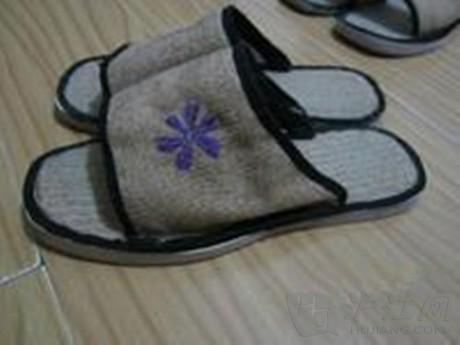 diy小饰品玩具制作:旧衣物创意(布拖鞋)