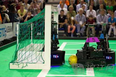 2013机器人足球赛中国队夺冠:世界杯圆梦了!(转载) - 大卫 - 峰回路转