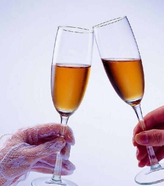 餐桌上敬酒的基本礼仪与常识