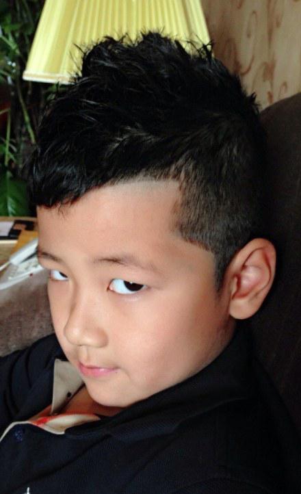 整体定型:适合小男生的头发