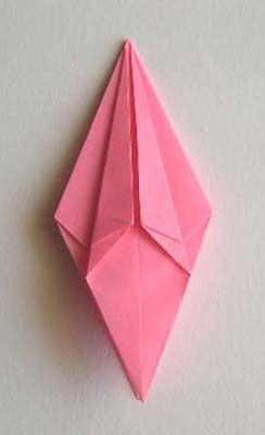 手工制作大全:折出一朵百合花