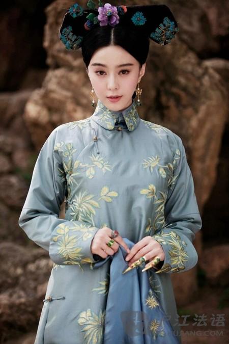 法国导演执导中国清朝故事《画框女人》_英语