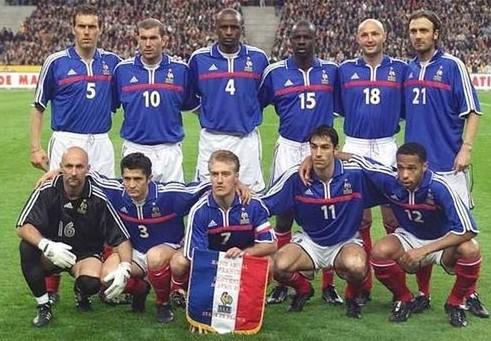 法国足球国家队_2016欧洲杯 法国黑鬼队_超智能足球赤足队