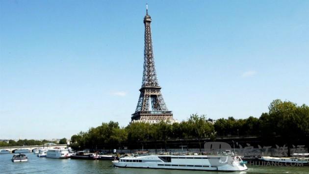 水上游巴黎之最高雅 塞纳河游船之夜 高清图片
