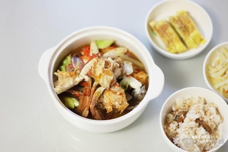 英文歌曲     花蟹海鲜汤以前在夏季皇帝的水刺床(御膳桌为国王准备的