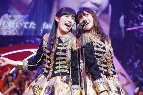 akb48(渡边麻友&大岛优子)演唱《ヘビーローテーション》