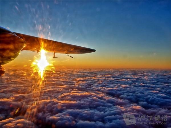 小学英语学习_飞机上选择靠窗位子的十个理由