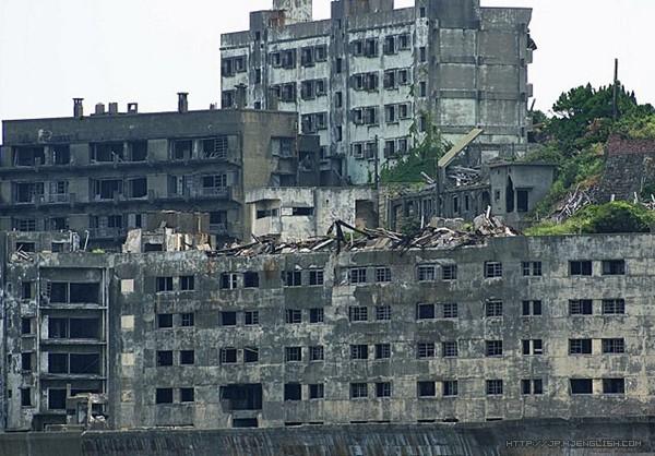 这个岛屿还作为2012年的电影《skyfall》中,007的宿敌raoul silva的