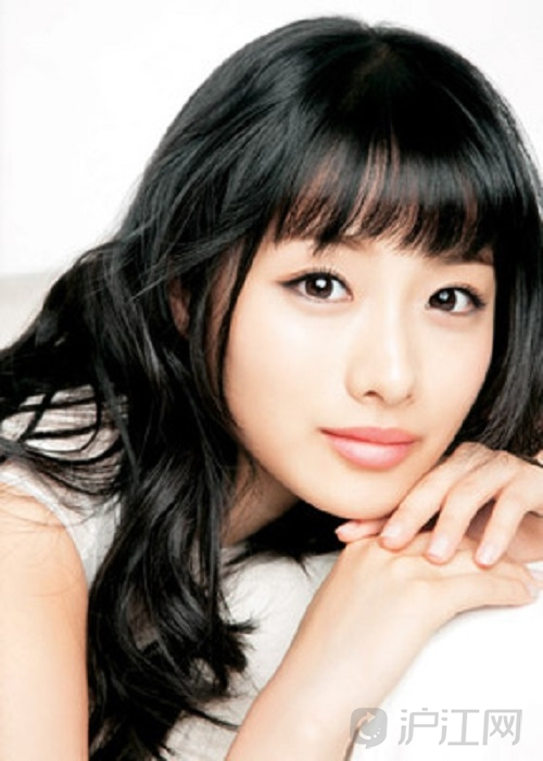 庆恩,河莉秀是艺名,是韩国女演员、女歌手,以模特、歌手、演员